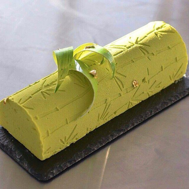 Ананас-имбирь. Миндальный бисквит,хрустящий слой,имбирный гель,начинка из ананаса с цедрой лайма, мусс лайм-имбирь.