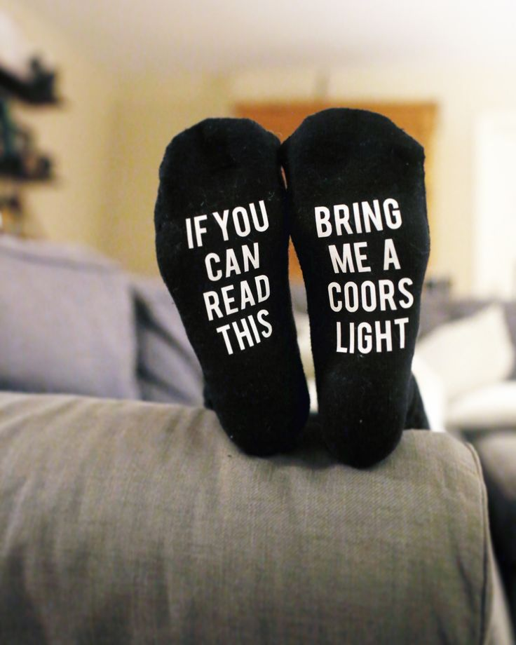 If you can read this bring me a coors light. #beersocks #quotesocks