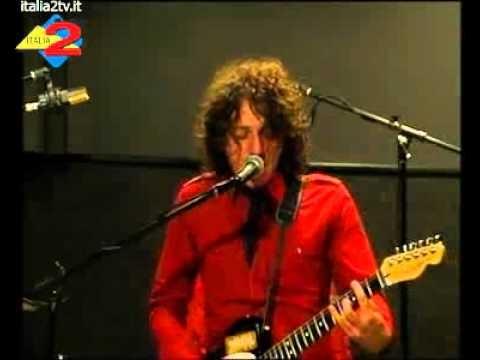 I VALIUM - Tu Sei (La Maledizione Sta Per Arrivare) live @ italia2 tv - http://www.valium.it