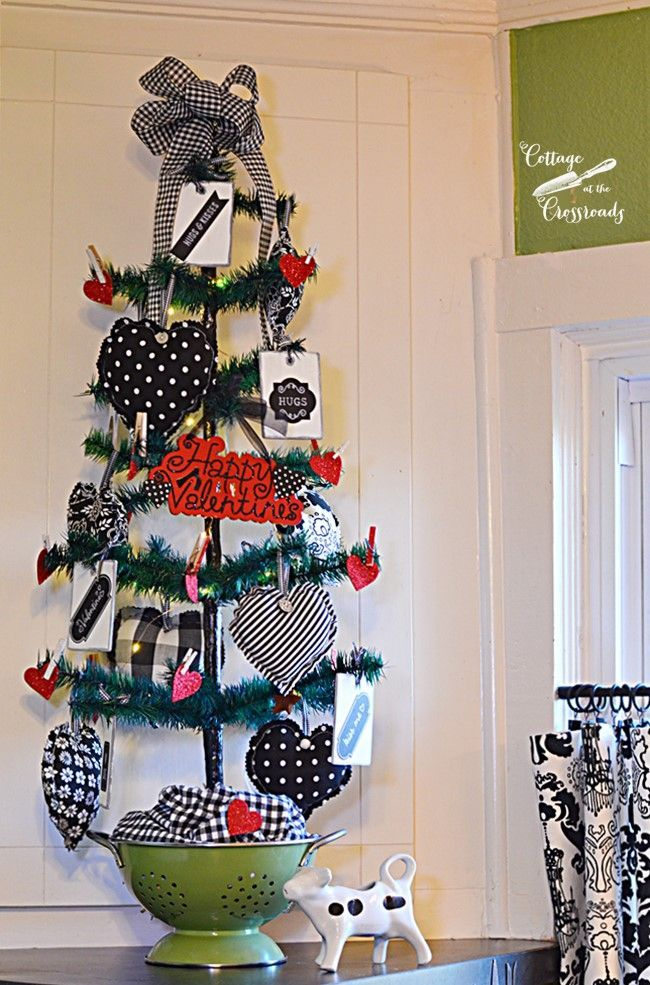 A Valentine's Day Tree for the Kitchen - Cottage at the Crossroads