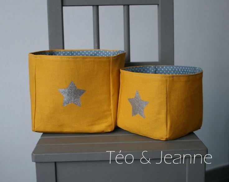 Vide poches en tissu jaune banane avec étoile argenté : Meubles et rangements par teo-et-jeanne