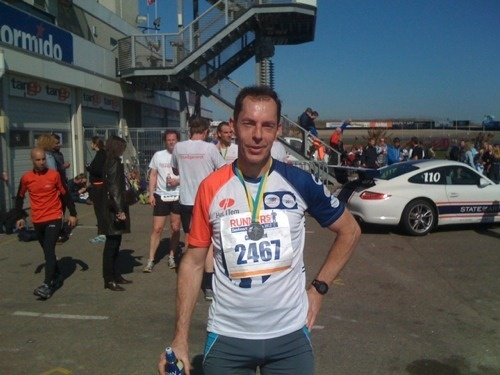 Training for the Roparun, running from Paris to Rotterdam, in order to raise funds for people suffering from Cancer. Although the text is in Dutch, please come and see the article so I know you care too. (number of readers is important)