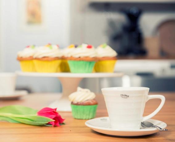 First astioilla teet kauniin juhlakattaukseen juhlaan kuin juhlaan! Aurinkoista pääsiäistä!   http://www.heirol.fi/catalogsearch/result/?q=First