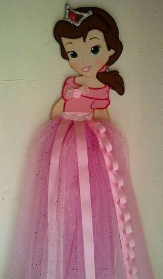 Un toque de decoracion para el cuarto de las princesas de for Adornos colgar pared