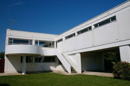 Marcel Breuer house for sale, West Sussex