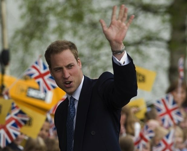 Prince William   59 Famous People Who Are Left-Handed. As a left handed I really like this list