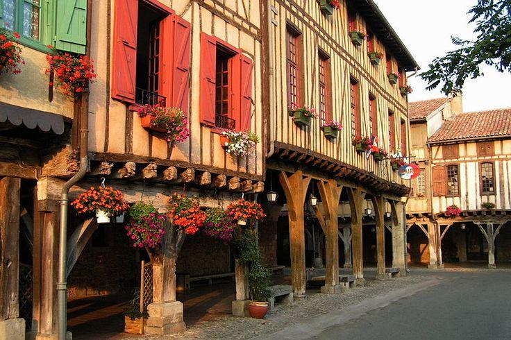 Balade dans la France médiévale. Mirepoix. Pyrénées ariégoises.