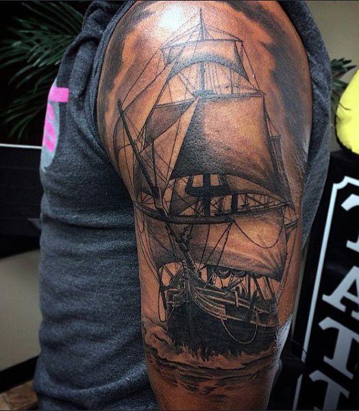 70 ship tattoo ideas for men a sea of sailor designs tatouages tatouages de bateau et. Black Bedroom Furniture Sets. Home Design Ideas