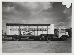 Un camion frigorifique H. Claudel / J. Besnard (Saint-Lô). 1950-1960