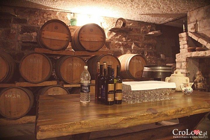 Degustacja wina w winiarni Matuško w Potomje    http://crolove.pl/winiarnia-matusko-w-potomje-na-polwyspie-peljesac/    #wine #winery #matushko #croatia #chorwacja #kroatien #hrvatska