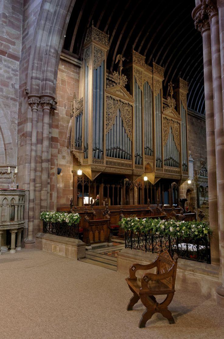 https://flic.kr/p/VNHVAA   Eccleshall Holy Trinity Church, Pentax_K5II, 8349_DxO   More raw experiments.