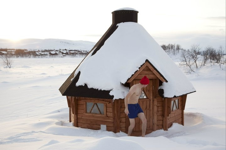 .Traditional sauna and ice dip