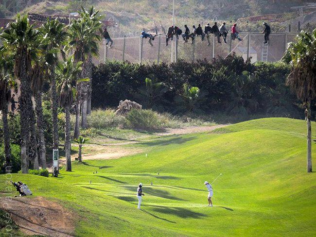 Premio Ortega y Gasset para la fotografía de la valla de Melilla y el campo de golf | Quesabesde
