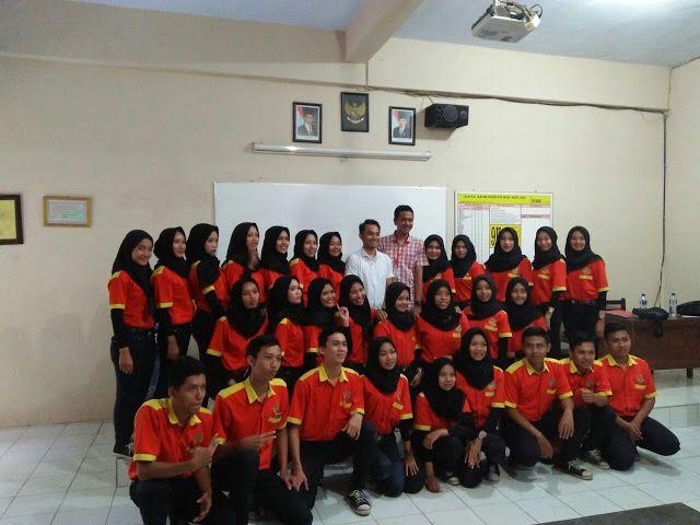 Review Uji Kompetensi Kejuruan Kelas Alfamart Th Ajaran 2017/2018 Smkn 1 Boyolangu Tulungagung