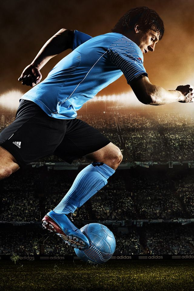 Soccer Player iPhone 4s Wallpaper struggle for the