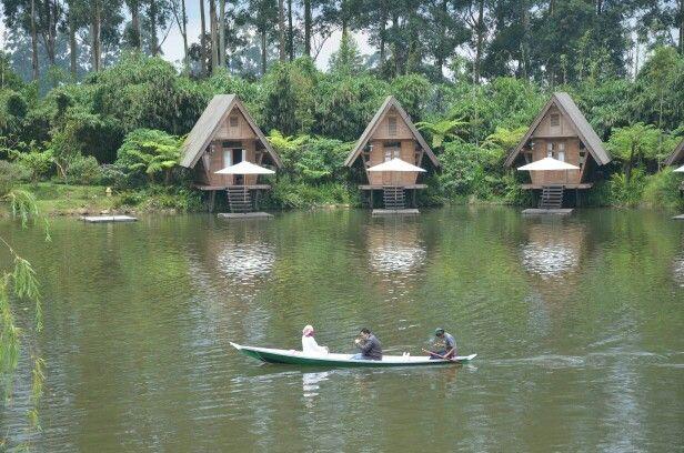 Danau Dusun Bambu