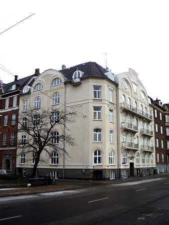 """[Billede: Her ses """"Glacisgaarden"""", som er et af Københavns få jugendhuse.]"""