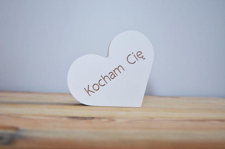 Drewniane serce z napisem Kocham Cię