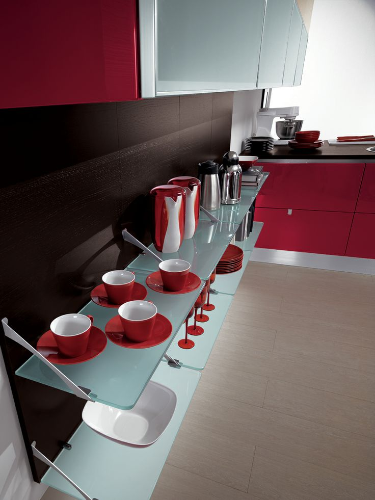 Trendy, sophisticated composition with Red gloss lacquered doors and 3 cm Dark Oak laminate work-top | #Scavolini