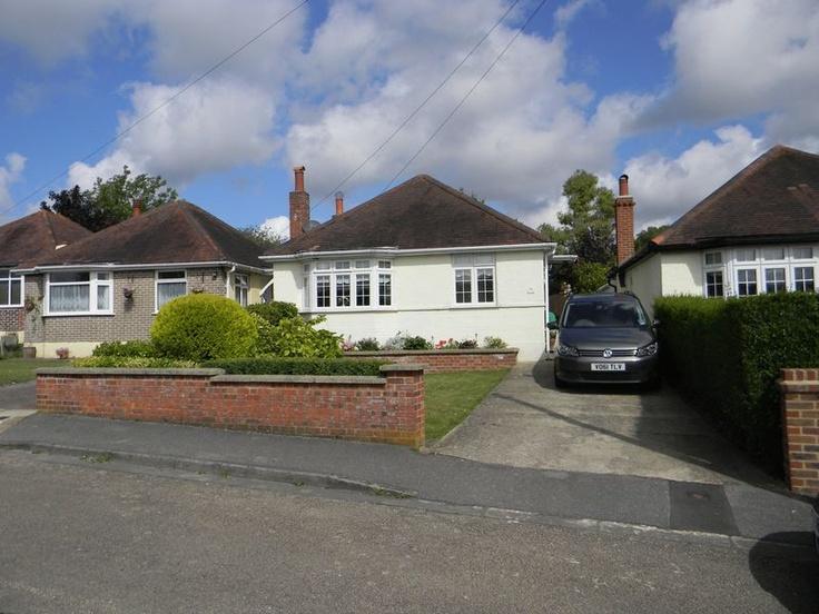 Guide Price £349,950  2 Bedroom Detached Bungalow - Fairlawn Grove, Banstead, Surrey, SM7 3BN Estate Agents