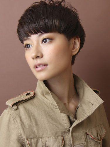Short, blunt cut bangs | Stylist: 中野 倫宏 | Salon: CIRCUS by BEAUTRIUM, Udagawacho, Shibuya, Tokyo