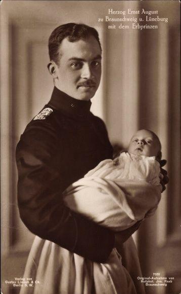 Prince Ernst August de Hanovre (1887-1953) et un de ses enfants