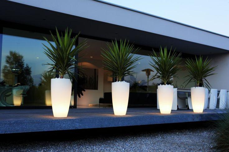 Pomysł na… świecące donice | Inspirowani Naturą | lighting flower pots terraform.pl