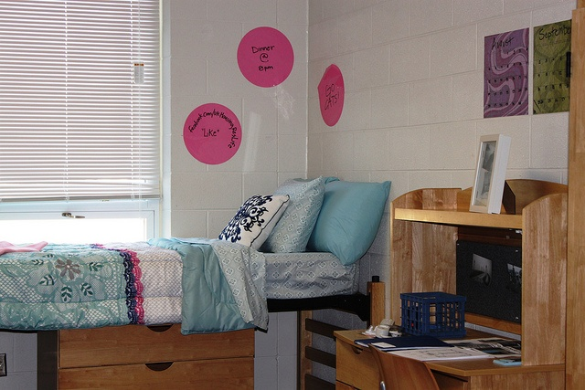 Baldwin, Ingels & Smith Halls: These co-ed South Campus halls house approximately 170 students each in their three floors. Rooms are premium suite style with air-conditioning, carpet, moveable furniture, wash basins & wardrobes for closet space. Baldwin Hall is home to Agriculture Residential College Living-Learning Community. Ingels Hall is home to Engineering Residential College & SEAM  Living-Learning Communities. Smith home to Global Village & Global Scholars Living-Learning Communities.