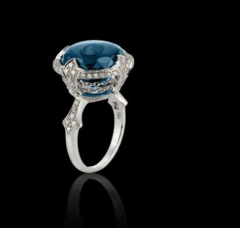 queeeeeero!!  Star & Garter 18ct white gold ring with white diam Rings Jewellery Garrard
