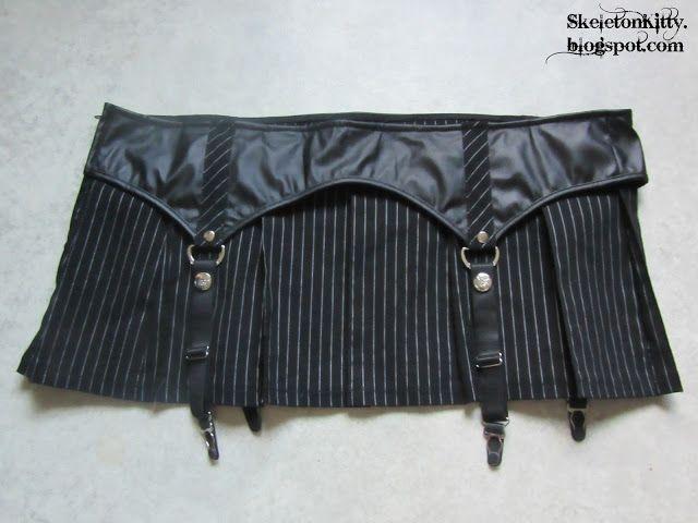LIP SERVICE Gangsta Pranksta mini skirt #53-191