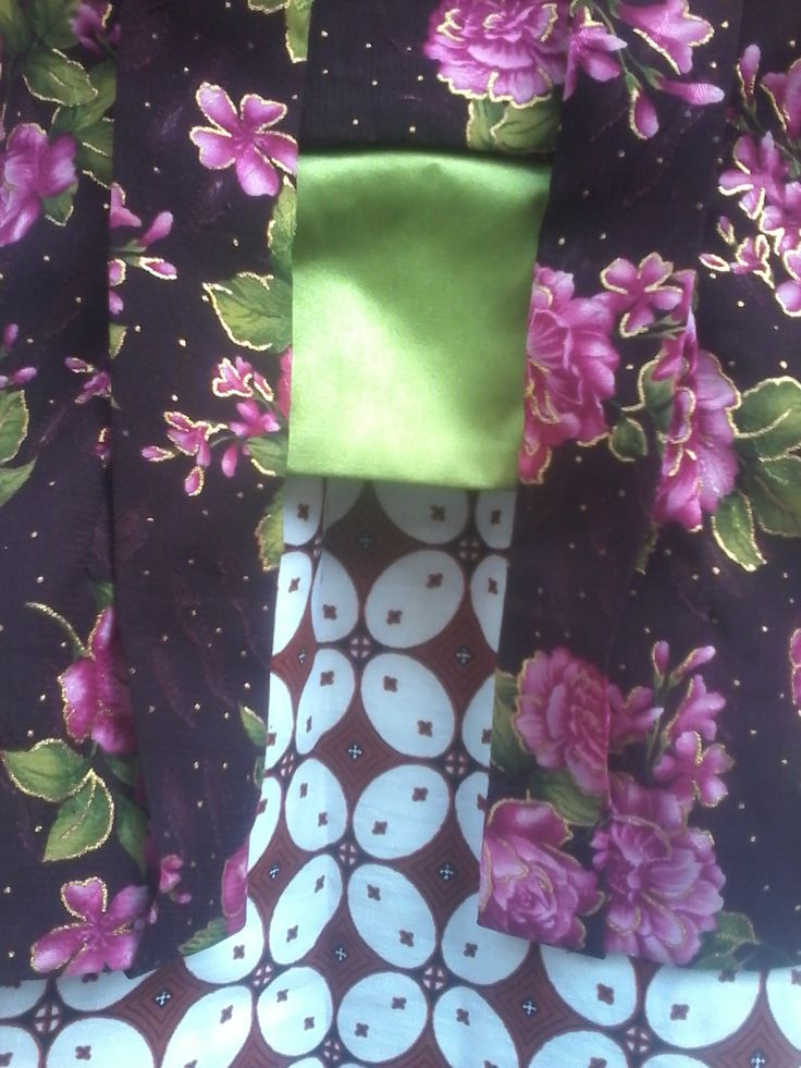 Detail kain Kebaya Kutubaru Gothic SMS / WA (0856 9565 7732)