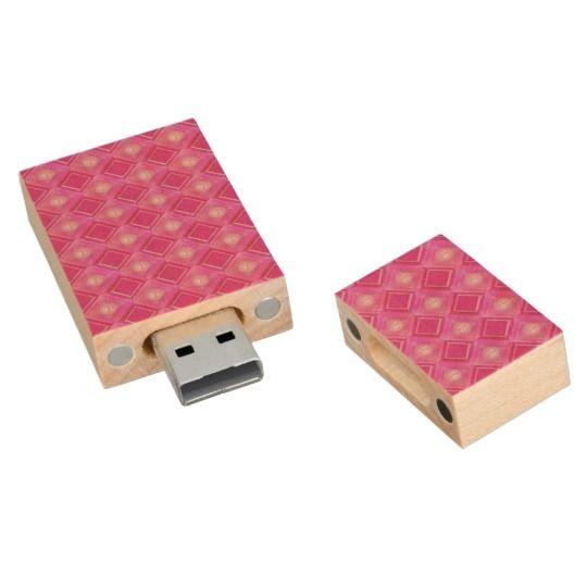 Sweet 16, Pink Sixteen Love Diamonds Circle USB Wood USB 2.0 Flash Drive