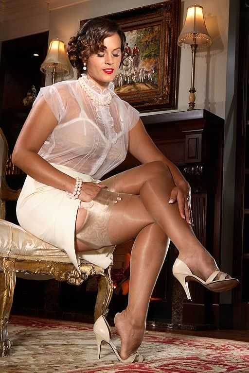 secrets lace classic stockings