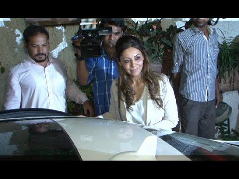 Gauri Khan at screening of BOMBAY VELVET movie.