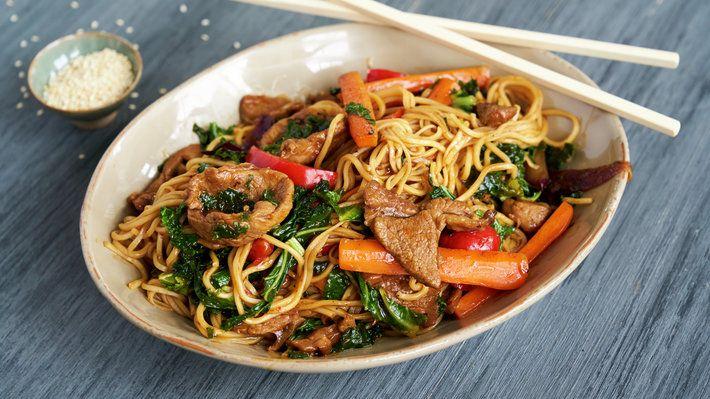 Rask wok med lam og nudler - MatPrat
