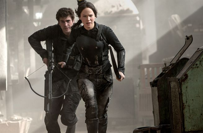 The 'Hunger Games' Costume Designers On How They Created The Mockingjay Costume | Hot Topics