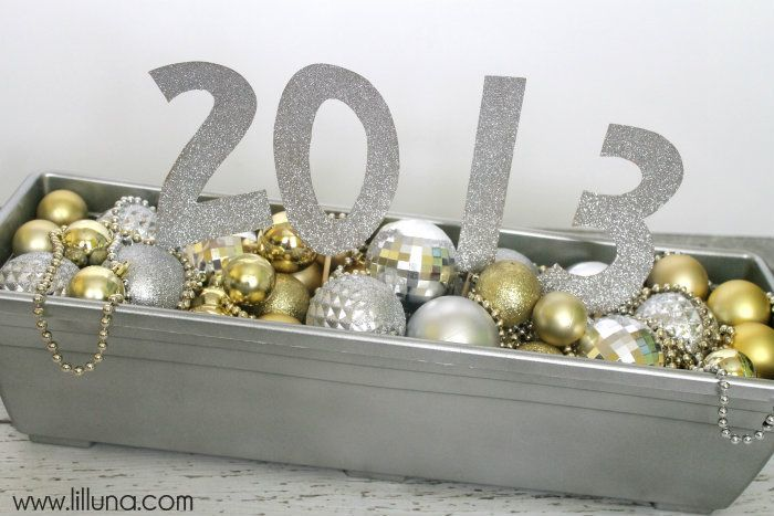 New Years Centerpiece - Cute and easy. Tutorial on { lilluna.com }