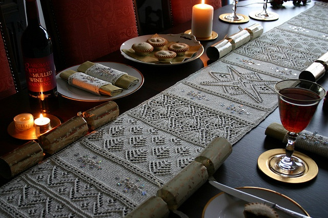 Snow Forest Yule Table Runner/Napkin Rings pattern $7.50