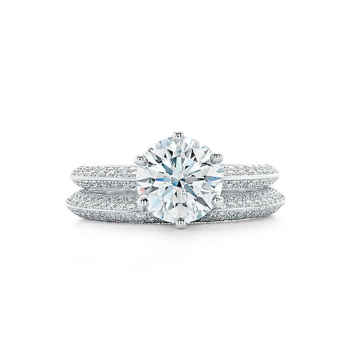 Solitaire Tiffany Bands: Pavé Tiffany® Setting