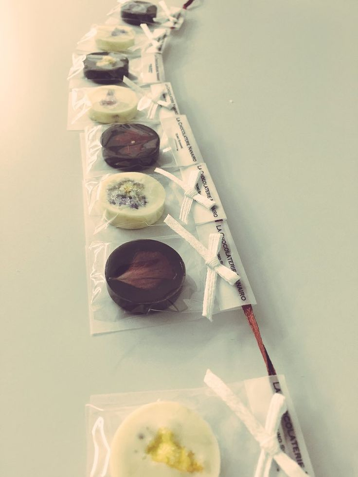 "NANAIRO on Twitter: ""Christmas Ornament Chocolate(10個入り) | LA CHOCOLATERIE NANAIRO https://t.co/e38iibcDzz @chocolatNANAIRO https://t.co/ZsXs4QuWSp"""