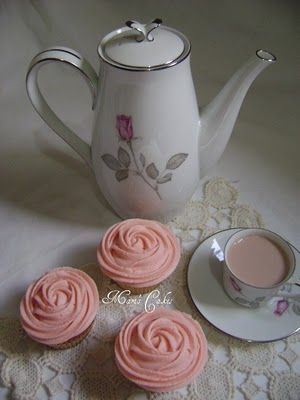how to make rose cupcakes - use 2D tip and soft buttercream