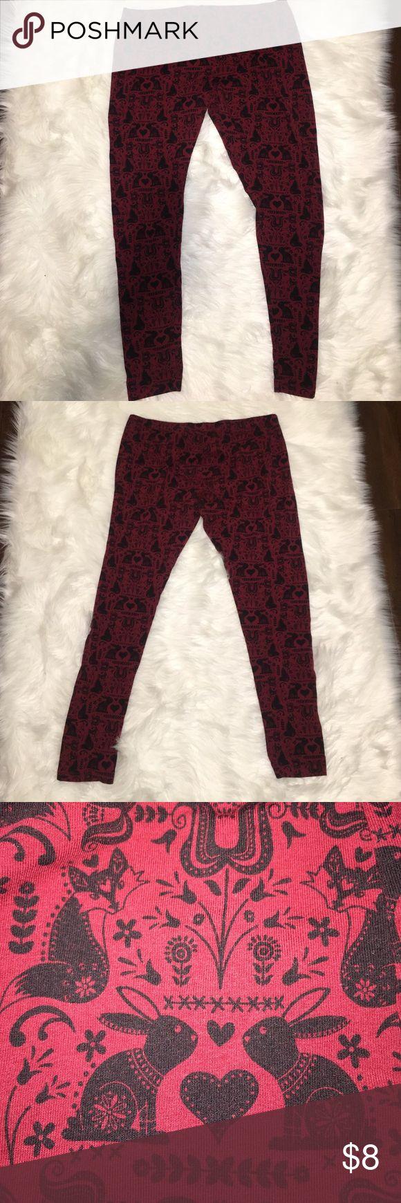 Mossimo Rabbit & Heart Print burgundy leggings XXL Mossimo Black Rabbit and Heart Print burgundy leggings size XXL Mossimo Supply Co Pants Leggings