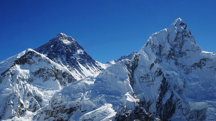 Pretty much everyone who undertakes the Everest Base Camp trek in Nepal hopes to see a view of Everest like this. But, you don't get this view… | Nepal | Pinterest | Everest base camp trek, Nepal and Trek