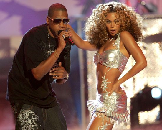 jay-z & beyonce crazy in love 2006 BET awards   http://gossiponthis.com/2009/06/16/jay-z-fabolous-young-jeezy-and-mary-mary-to-perform-at-th