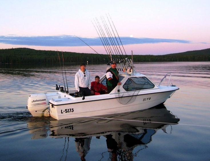 Uistinvetoa heinäkuussa Pellon Miekojärvellä Länsi-Lapissa