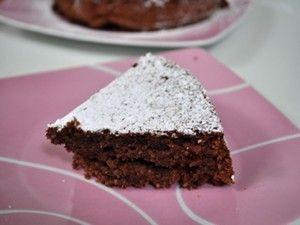 チョコレートとアーモンドのトルタカプレーゼ