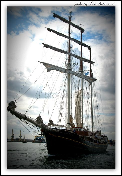 44 best images about hanse sail rostock on pinterest traditional steam boats and sailing ships. Black Bedroom Furniture Sets. Home Design Ideas