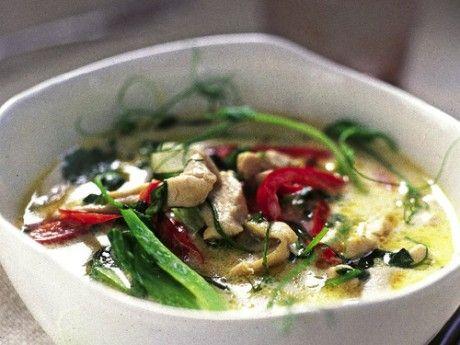 Thailändsk soppa med kyckling och kokosmjölk
