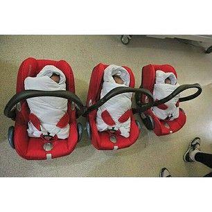 Instagram photo by song.triplets - #throwback: Baby Daehan, Minguk, Manse when they're discharged from the hospital. #thereturnofsuperman #supermanreturns #varietyshow #tvshow #toddler #supermanisback #songilkook #korean #songtriplets #kids #daehan #minguk #manse #daehanmingukmanse #송일국 #슈퍼맨이돌아왔다 #대한#민국#만세 #대한민국만세