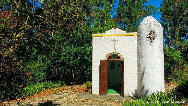 Casamento no campo. Mini-wedding e destination wedding. Pousada Villa Mantiqueira.  Lúcio Penteado Fotografia.